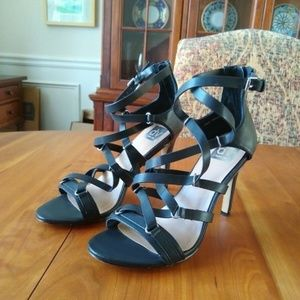 DV DOLCE VITA Women's black strappy sandals  8.5